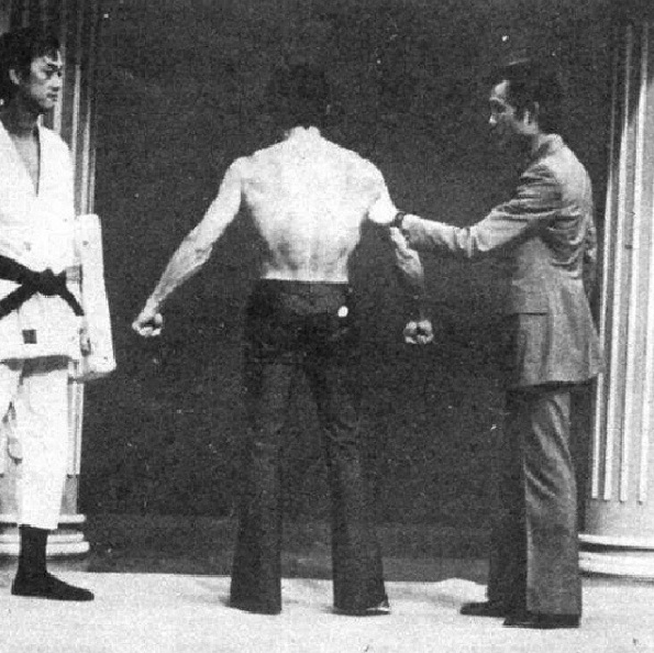 bruce lee lat spread