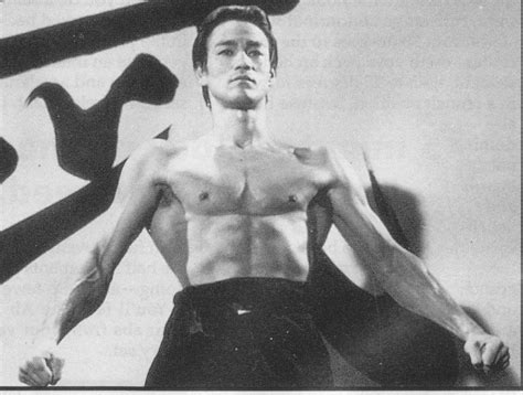 Bruce Lee Lats Spread